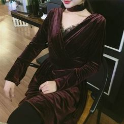 Bloombloom - Long-Sleeve V-Neck Velvet A-Line Dress
