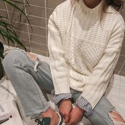 NANING9 - Mock-Neck Cable Sweater