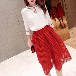 Romantica - Set: 3/4-Sleeve Top + Midi Skirt