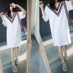 NIPONJJUYA - V-Neck Contrast-Trim T-Shirt Dress