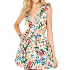 Dream a Dream - Sleeveless Cutout Floral Dress