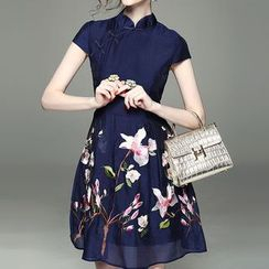 Alaroo - Embroidered Flower Short-Sleeve Dress