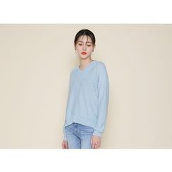 Envy Look - V-Neck Dip-Back Knit Top