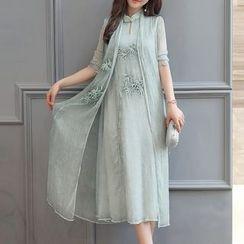 SEYLOS - Set: Embroidered Sleeveless Cheongsam + Long Sheer Coat