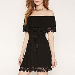 Richcoco - Lace Trim Off-Shoulder A-Line Dress