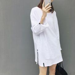 A7 SEVEN - Long Sleeve Side Slit T-Shirt