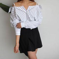 Jolly Club - Off-Shoulder Striped Shirt