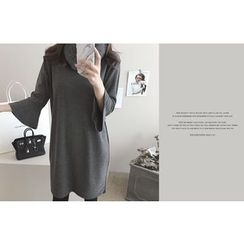DAILY LOOK - Round-Neck Bell-Sleeve Dress