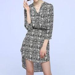 Liya Closet - Snake Print 3/4 Sleeve V-Neck Mini Dress