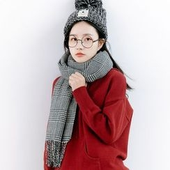 Forest Girl - Fringed Houndstooth Scarf