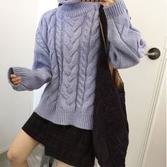 Jolly Club - Cable Sweater