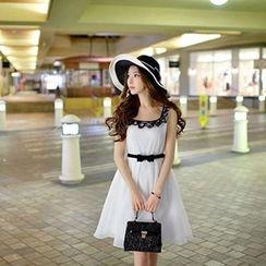 Dabuwawa - Sleeveless Paneled A-Line Dress