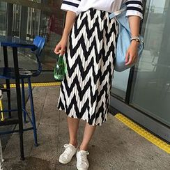 November Rain - Chevron Print Pleated Midi Chiffon Skirt