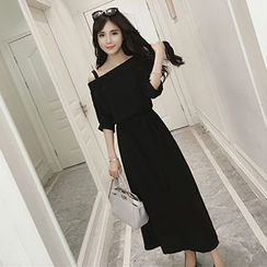 Glen Glam - Off-Shoulder 3/4-Sleeve Maxi Dress