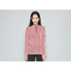 Envy Look - Off-Shoulder Velvet T-Shirt