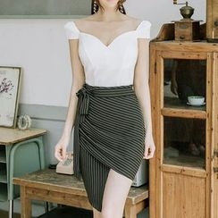 Aurora - Set: Sweetheart Neckline Top + Wrapped Pencil Skirt
