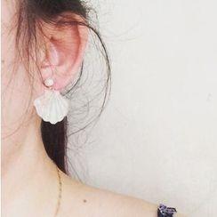 Calypso - Scallop Pearl Earrings
