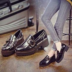 Charming Kicks - 厚底乐福鞋
