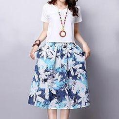 Romantica - Set: Short-Sleeve T-Shirt + Midi Skirt