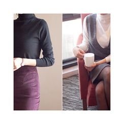 MASoeur - Turtle-Neck Paint Knit Top