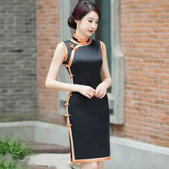 Miss Four Qipao - Contrast Trim Sleeveless Qipao