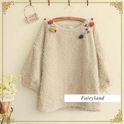 Fairyland - 3/4-Sleeve Corsage Accent Fleece Top