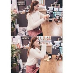 Chlo.D.Manon - Round-Neck Furry-Knit Sweater