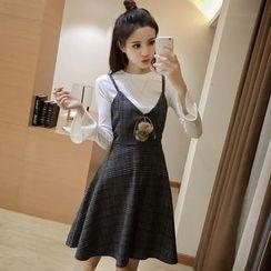 Ashlee - Set: Long-Sleeve T-Shirt + Woolen Strappy Dress