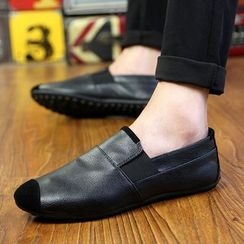 HANO - Panel Slip Ons