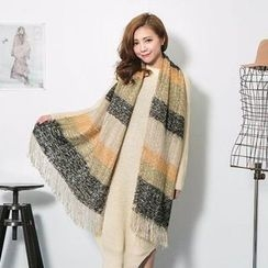 Lucky Leaf - Contrast-Color Striped Fringed Scarf
