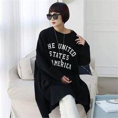 CHICFOX - Lettering Oversized Long T-Shirt