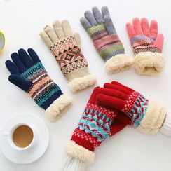 Class 302 - Knit Patterned Gloves
