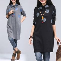 One2One - Dotted Turtleneck Knit Top