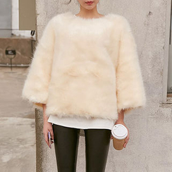 chuu - Set: 3/4-Sleeve Faux-Fur Top + T-Shirt