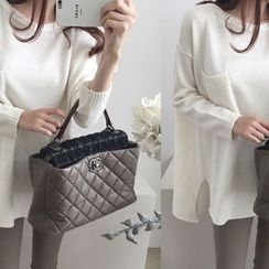 DAILY LOOK - Pocket-Detail Wool Blend Knit Top