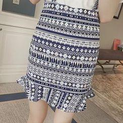 Cloud Nine - Set: Short Sleeve T-Shirt + Print Jumper Skirt
