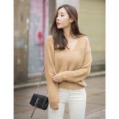 GUMZZI - V-Neck Furry-Knit Sweater