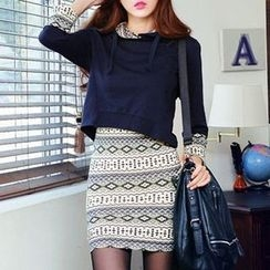 Isadora - Set: Sleeveless Patterned Dress + Hoodie