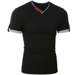 Hansel - Short Sleeve V-Neck T-Shirt