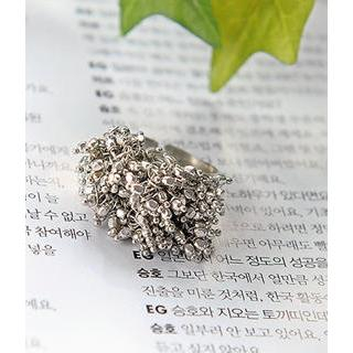 Petit et Belle - Metallic Pompom Ring