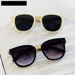 MOL Girl - Retro Sunglasses