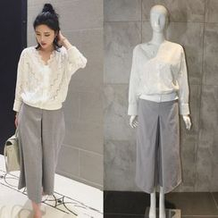 CACHA - Set: Lace Top + Cropped Pants