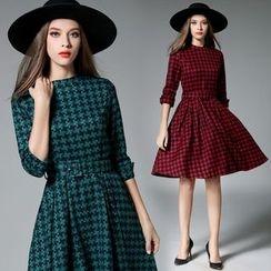 Diosa - Elbow-Sleeve Houndstooth Woolen Dress