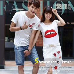 Igsoo - Couple Lip Printed Short-Sleeve T-shirt / Chiffon Dress