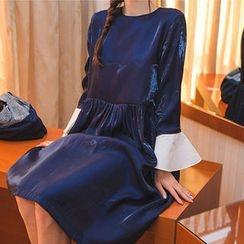 chuu - Contrast-Cuff Shirred-Waist Satin Dress