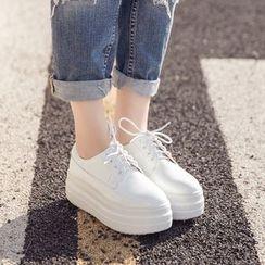 Monde - Lace-Up Patent Platform Shoes