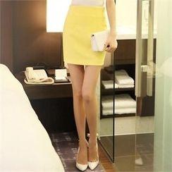 Styleonme - Zip-Back Plain Miniskirt