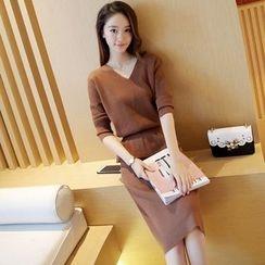 小沫商城 - 套裝: 針織套頭衫 + 針織中長裙