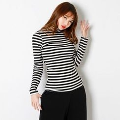 FASHION DIVA - Turtle-Neck Slim-Fit Stripe Top