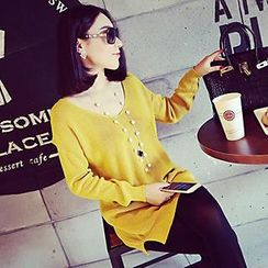 Coralie - Long-Sleeve V-Neck Knit Top